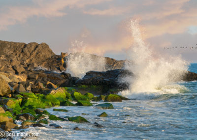 Mugu Rock wave splash-1
